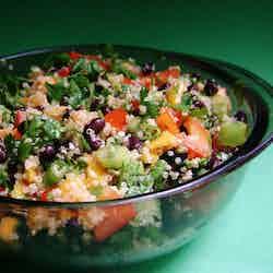 Mangosallad med quinoa och bönor