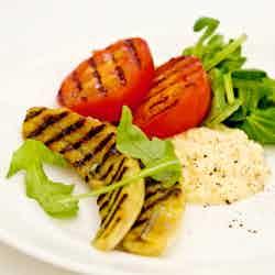 Äggröra med grillad tomat och banan