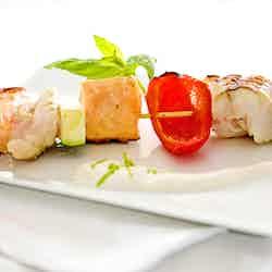 Fisk och skaldjurspett med limesås