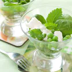 Sallad med gröna ärtor och fetaost
