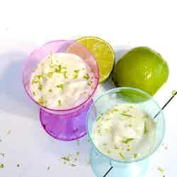 Smoothie på avocado och lime