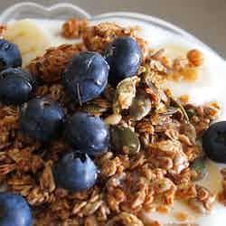 Super rostad granola med frukt